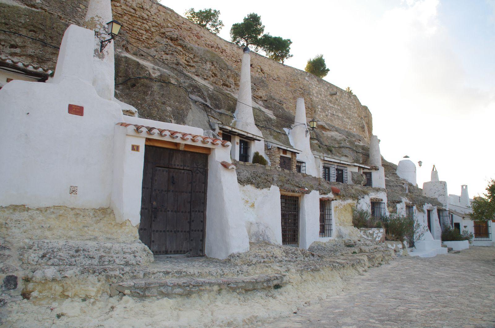 Casas Cuevas de Chinchilla de Montearagón