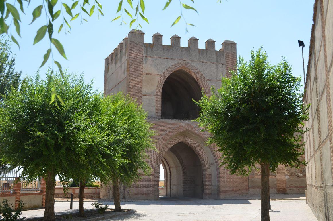 rutas del vino de castilla y leon   turismo madrigal de las altas torres