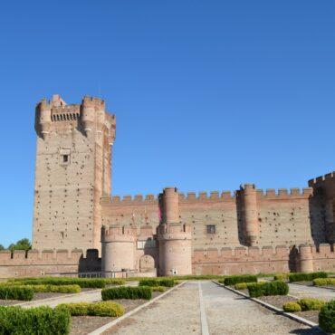 castillo de la mota de medina del campo turismo | enoturismo rueda