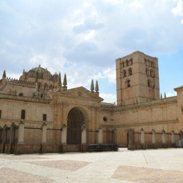 ruta-del-vino-de-toro-enoturismo-en-zamora-rutas-del-vino-en-castilla-y-leon-catedral-de-zamora-10