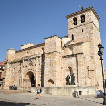 ruta-del-vino-de-toro-enoturismo-en-zamora-rutas-del-vino-en-castilla-y-leon-zamora-iglesia-san-juan-bautista-7